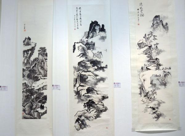 吳治平社員將太極美學法則,模山範水,獨樹一格的風采國畫作品。